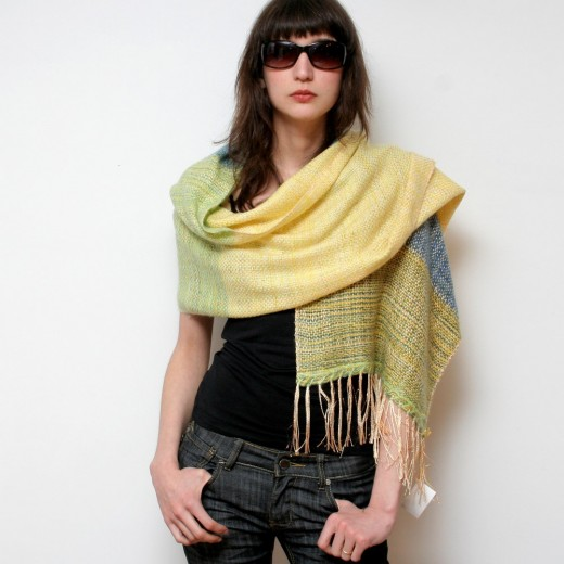 10 Creative Ways To Wear A Shawl [VIDEO] « eZeLiving