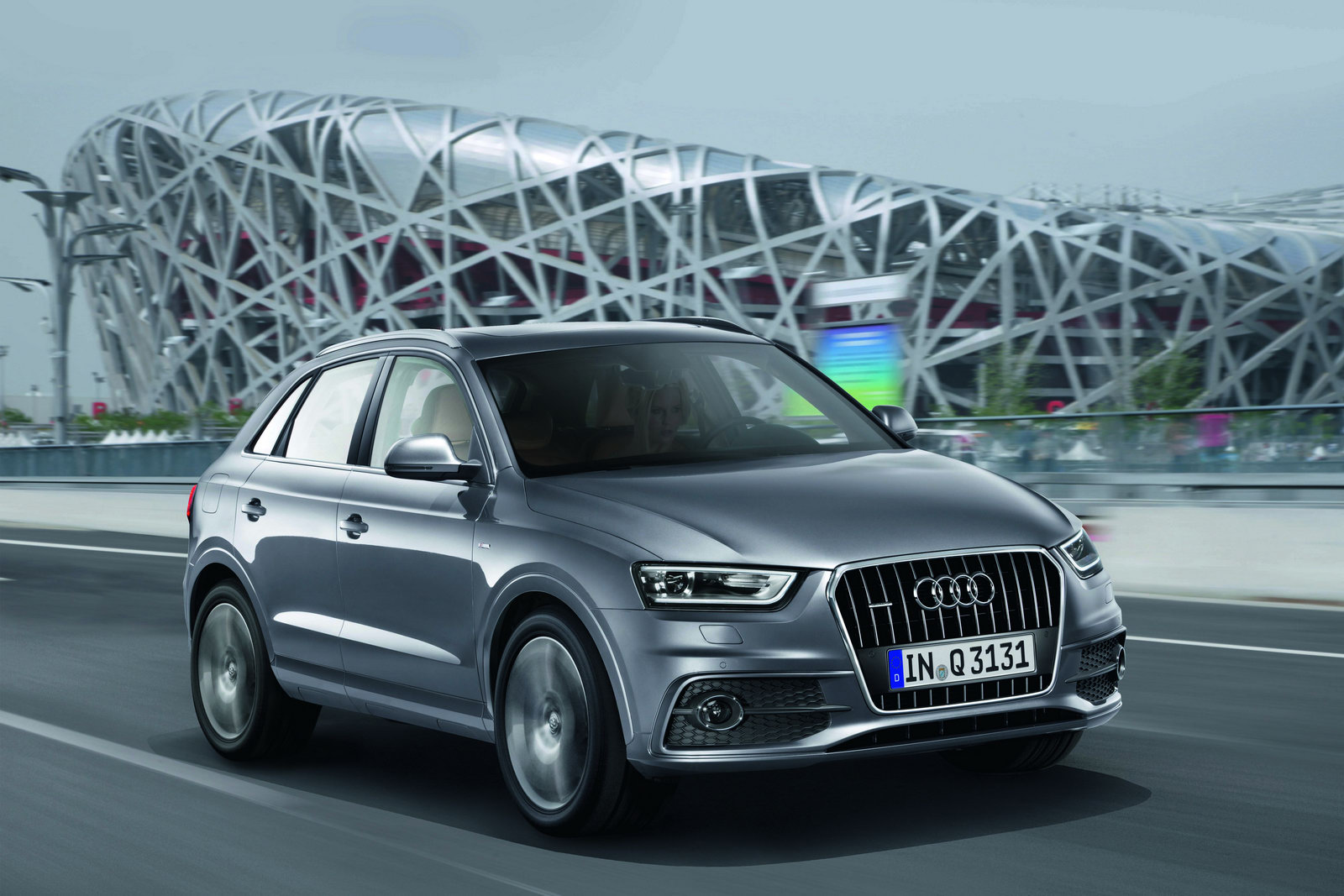 Car Review Audi Q Hybrid EZeLiving - Audi q3 hybrid